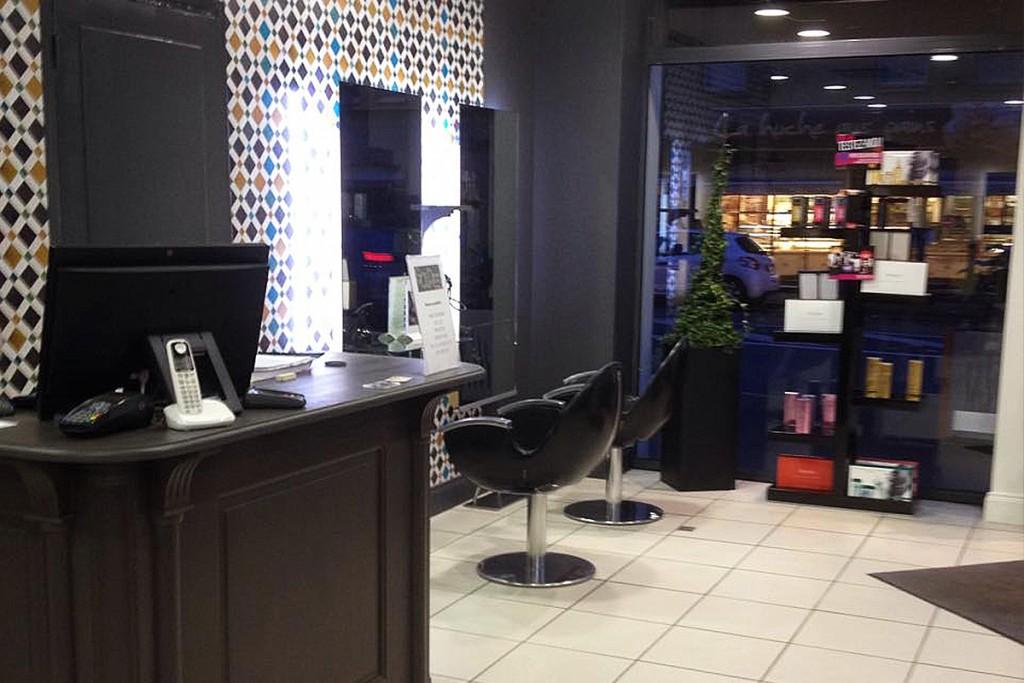 Nouvelle d co capilosophie salon de coiffure la for Salon de coiffure antillais lyon